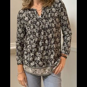 Lucky Brand Long Sleeve Patterned Pleated V Neck
